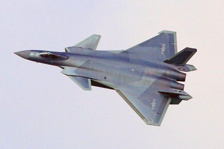 http://www.combataircraft.net/wp-content/uploads/sites/5/2016/10/J-20A-LRIP-grey-splinter-camo-17.10.16-1-XL-768x512.jpg